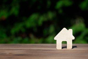 Jak wybrać firmy wykonujące domy drewniane?